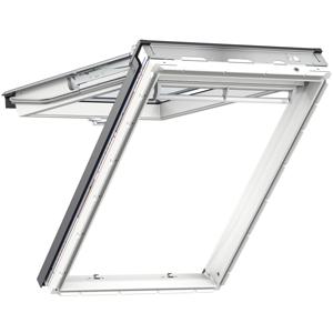 Klapp-Schwing-Fenster mit 45° Öffnungswinkel für besonders großzügigen Panoramablick und leicht zu putzender Außenscheibe.